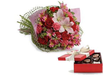 Code: B32. Name: From the Heart. Description: Tell someone you love them with this romantic bouquet which includes roses, lilies, alstroemeria and carnations. Price: NZD $124.90