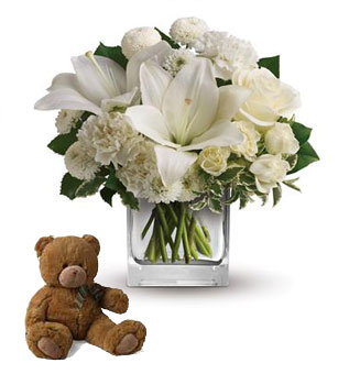 Code: C53. Name: Starlit Kisses. Description: Wish upon a star, but seal the deal with the pure white perfection of this luxurious cube arrangement. These fresh and fragrant flowers will make you the star of her heart! Price: NZD $114.90